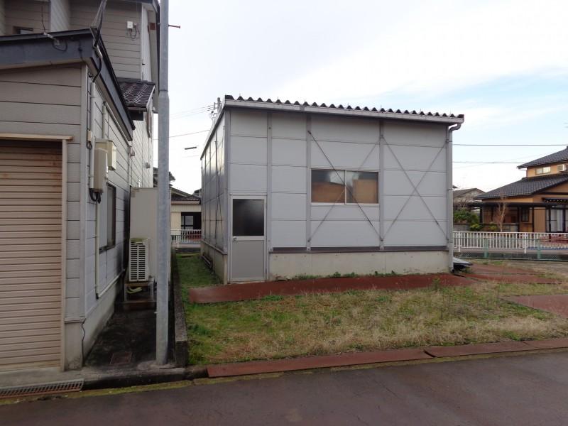 富山市草島倉庫付き土地写真