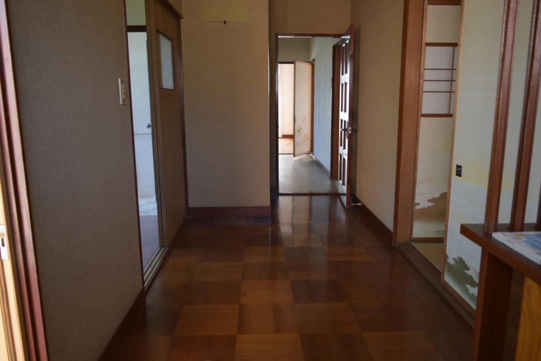 富山市石坂新 中古住宅写真
